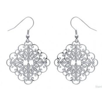 Boucles d'oreilles en acier. Fleur carrée pendante.