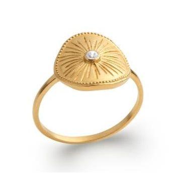 Bague de style artisanal en plaqué or.  Zirconinium et soleil.